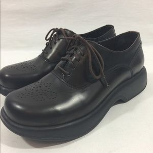 Dansko 90s Style Lace Up Brown Shoes